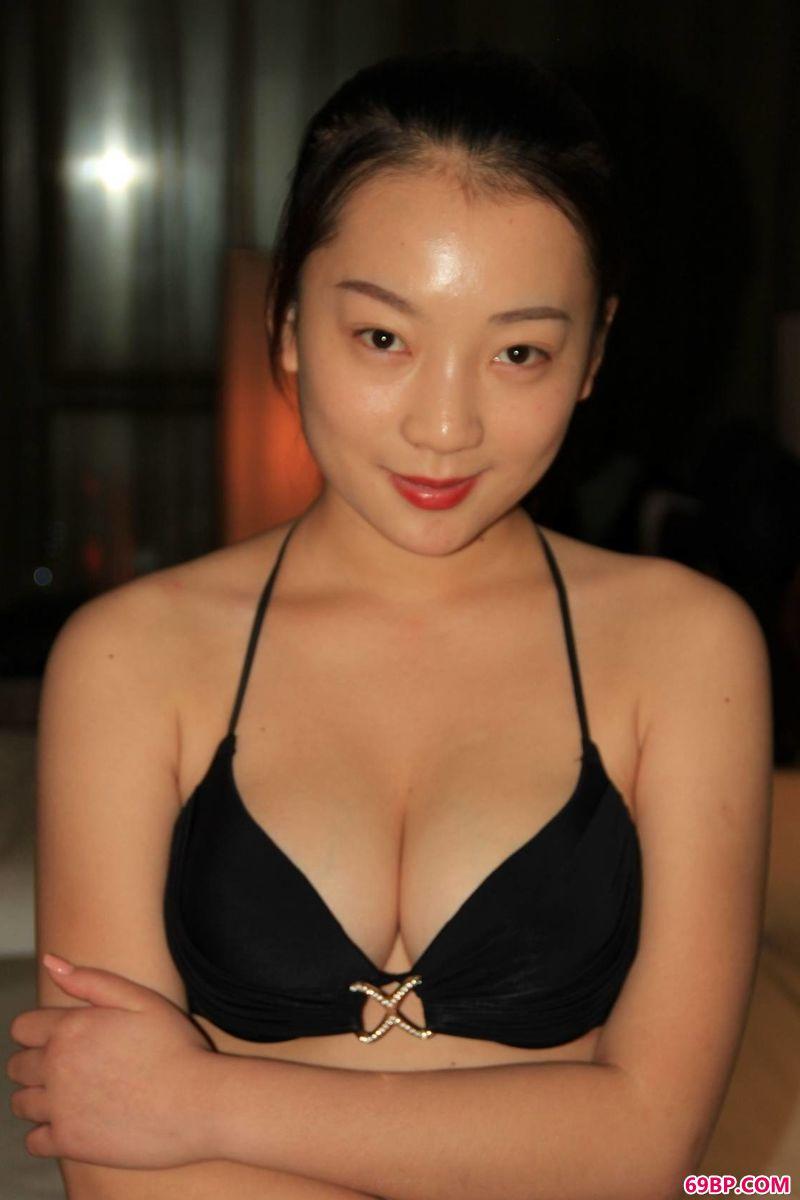 张雪馨自然光图片欣赏_西西gogo人体艺术照