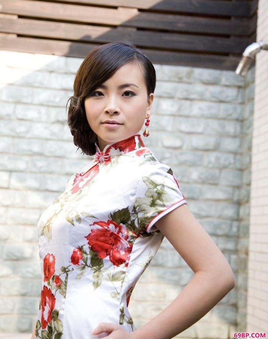 亚裔旗袍名模KATYAU_朗玉