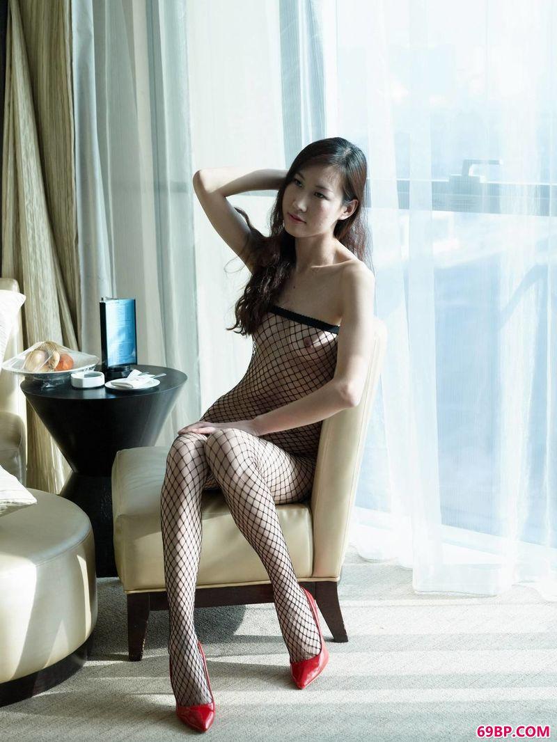星美梨香人体艺术,纤纤女孩味超模雯希